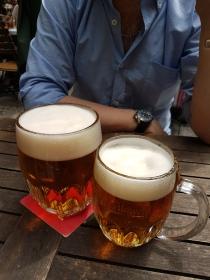 Pilsener Urquell vom Fass (Wien, Biergarten Zattl)
