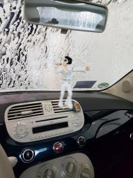 Elvis und ich in the Carwash
