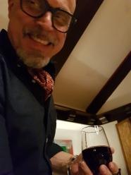 Glücklich mit Rotwein