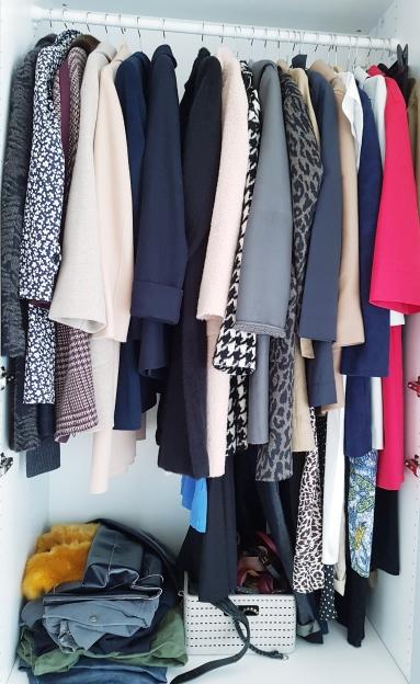 https://nikileaks.de/2018/08/28/von-maenteln-bekomme-ich-einfach-nicht-genug-oder-minimalismus-versus-konsumwahn/